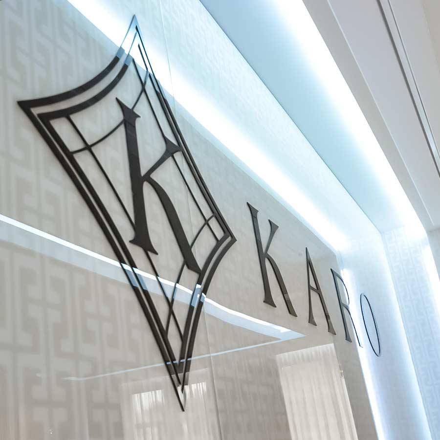 Oświetlenie LED i logo Karo